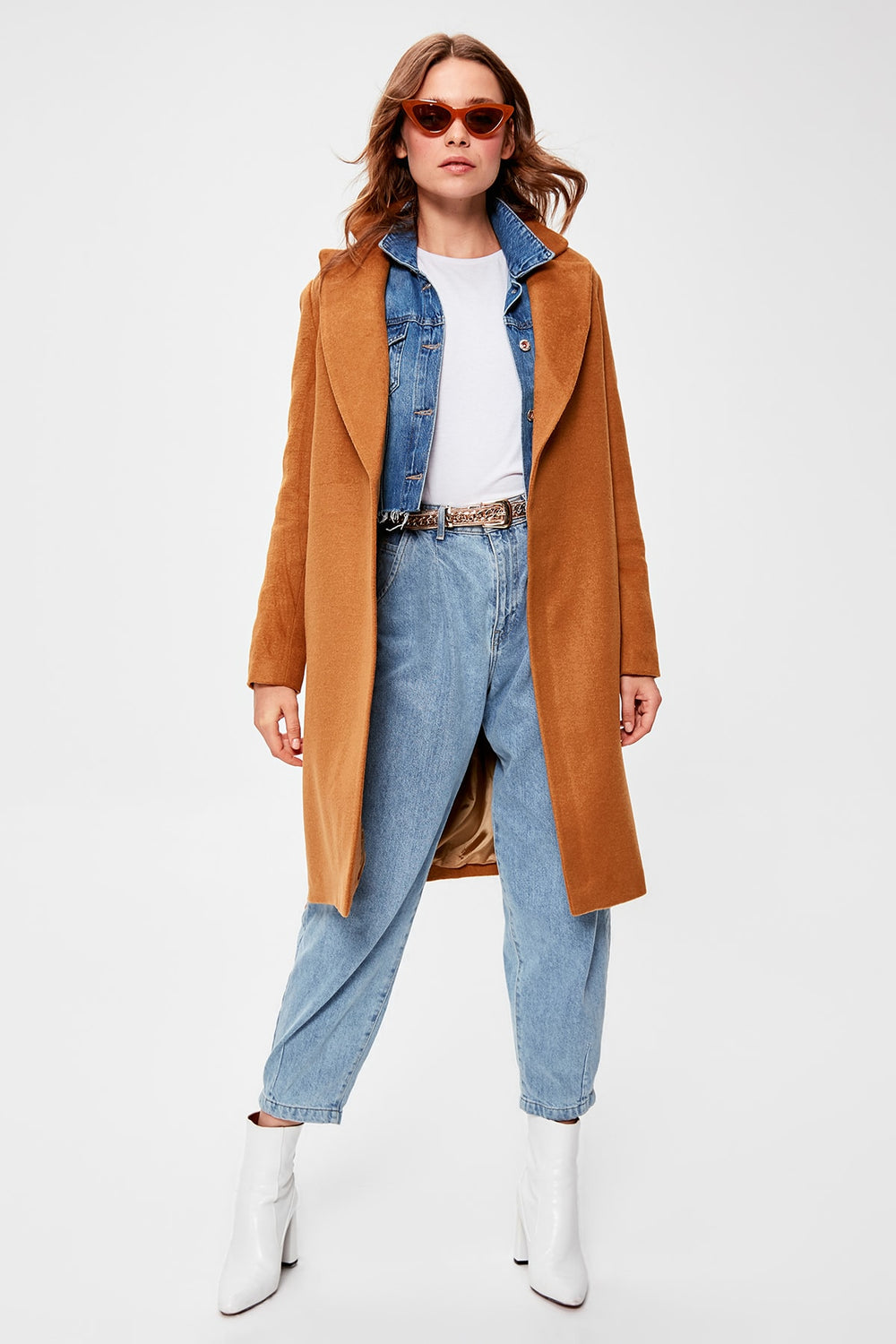 Camel Arched Woolen Stamp Coat - Top Maxy