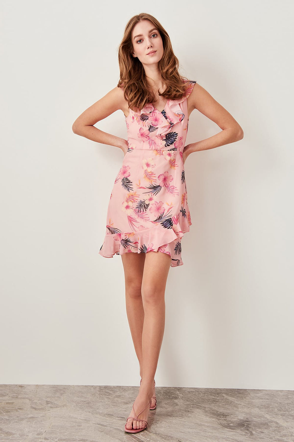Pink Floral Patterned Dress - Top Maxy