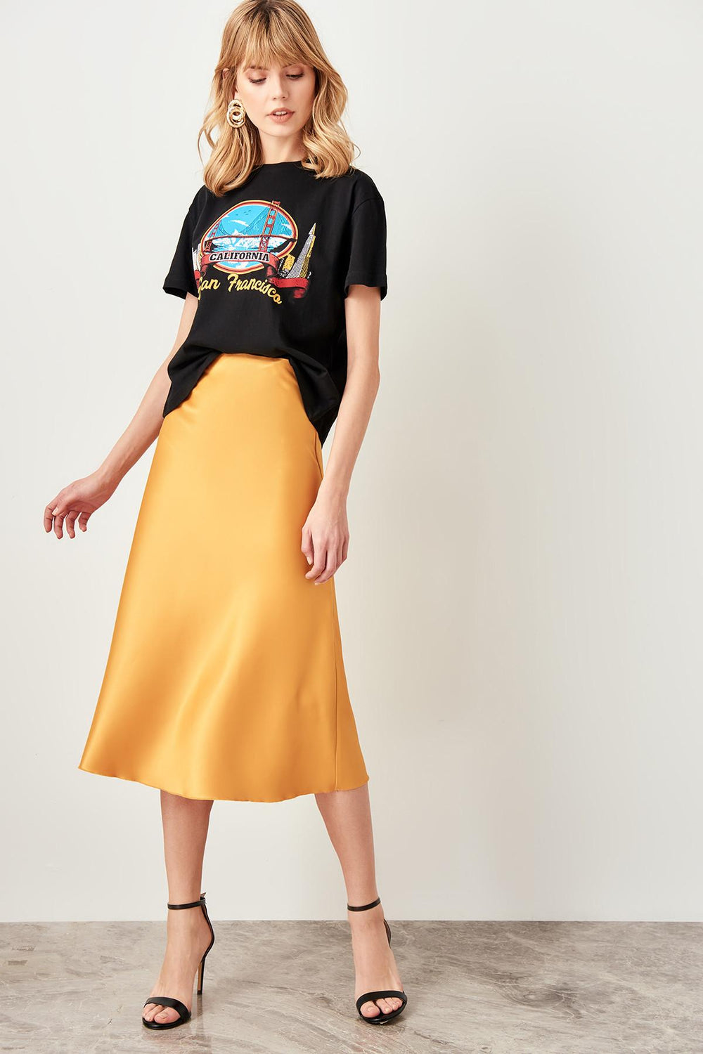 Mustard Satin Skirt - Top Maxy