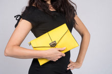 Load image into Gallery viewer, Viatu Genuine Leather Clutch Evening Bag