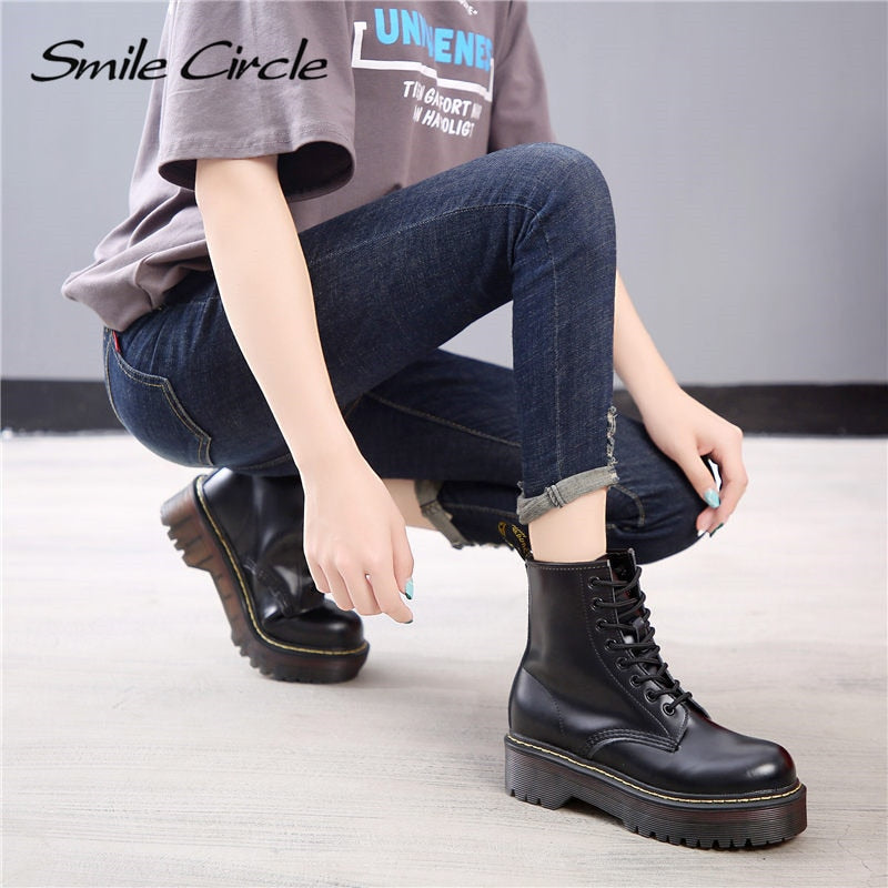 Smile Circle Size 35-42 Flat Platform Boots Women Shoes Autumn Winter Fur Fashion Round Toe Lace-up Leather Boots Ladies Shoes