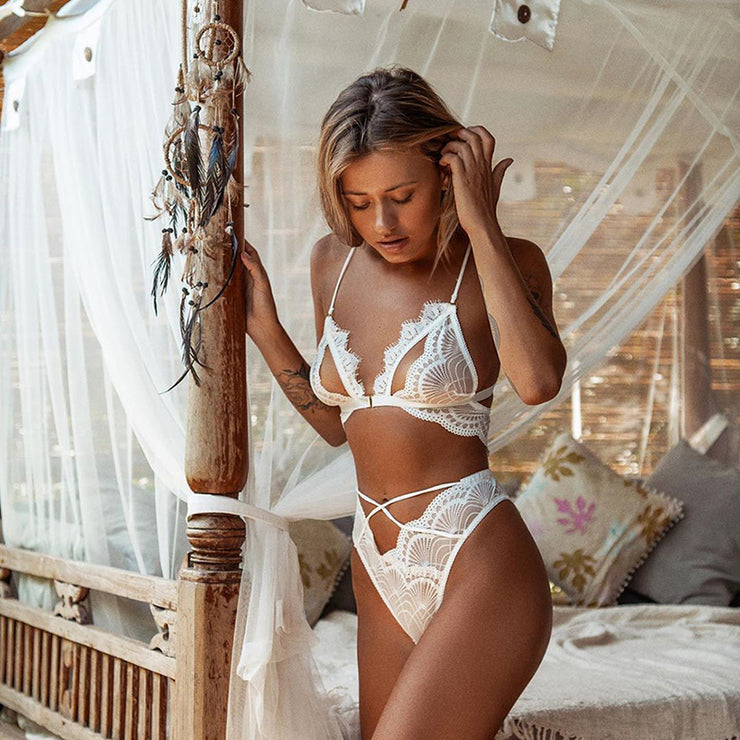 Ellolace Sexy Lace Underwear Set Women Lingerie Two 2 Piece Set Wire Free Seamless Bralette 2019 Fashion Hollow Out Brief Sets