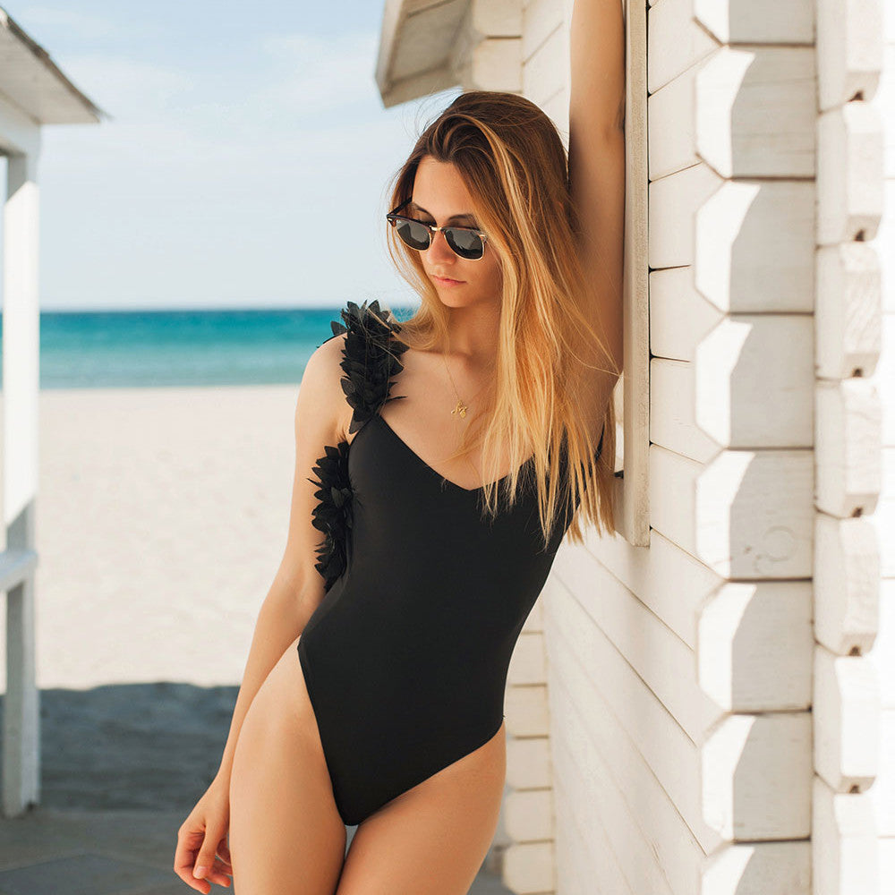 Summer new sexy Women backless One-Piece floral shoulder bikini Bathing Swimwear Swimsuit Monokini Black White Clothing