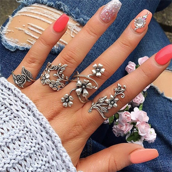 4 Pcs/ Set  Bohemian Carving Hollow Flower Leaves Silver Joint Ring Set Women Charm Party Clothing Jewelry Gift