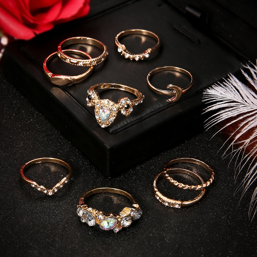 9 Pcs/set Women's Fashion Exquisite Moon Crystal V Geometry Gold Ring Set Bohemian Fashion Vintage Jewelry Accessories