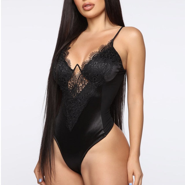 Sexy Hollow Out Bodysuit Women Underwire Deep V-Neck Plus Size Lace Bodysuit Summer 2019 New Sleeveless Bodycon Jumpsuit