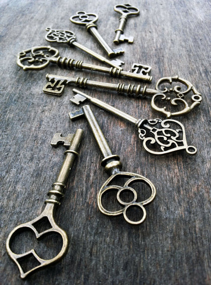 Antiqued Bronze Skeleton Keys
