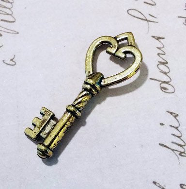 Heart Castle Light Bronze 1.8 inch Skeleton Keys