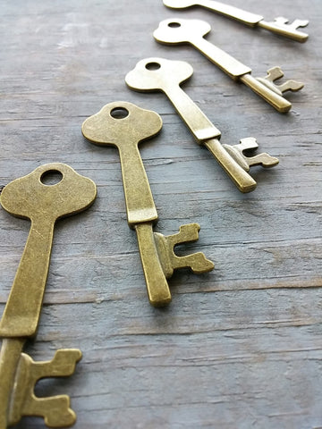 "Antiqued Bronze 2.4"" inch Skeleton Keys"