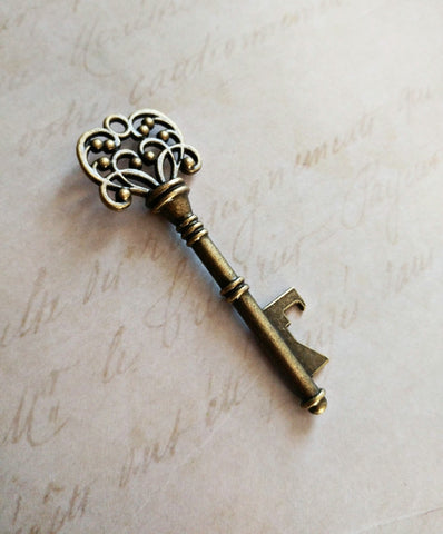 Large Skeleton Key Bottle Opener Rustic Wedding Favor Gift Vintage Big Pendant Antiqued Bronze Steampunk 3 inches 1 pc