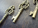 1.75 inch Antiqued Bronze Skeleton Keys