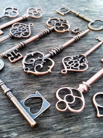 Assorted Large Skeleton Keys 50 pcs Mix Antiqued Copper Pendants Seampunk Rustic Vintage Style Wedding Bulk Lot 2.3-3.25""