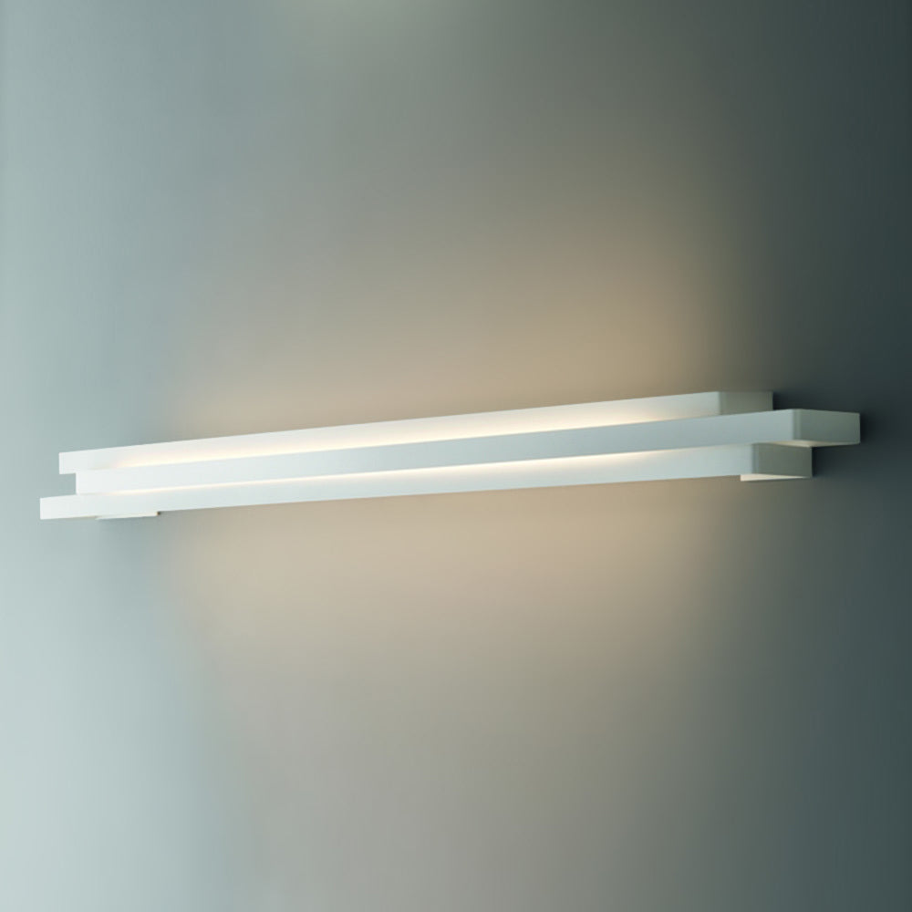 Escape 110 Wall Light by Karboxx
