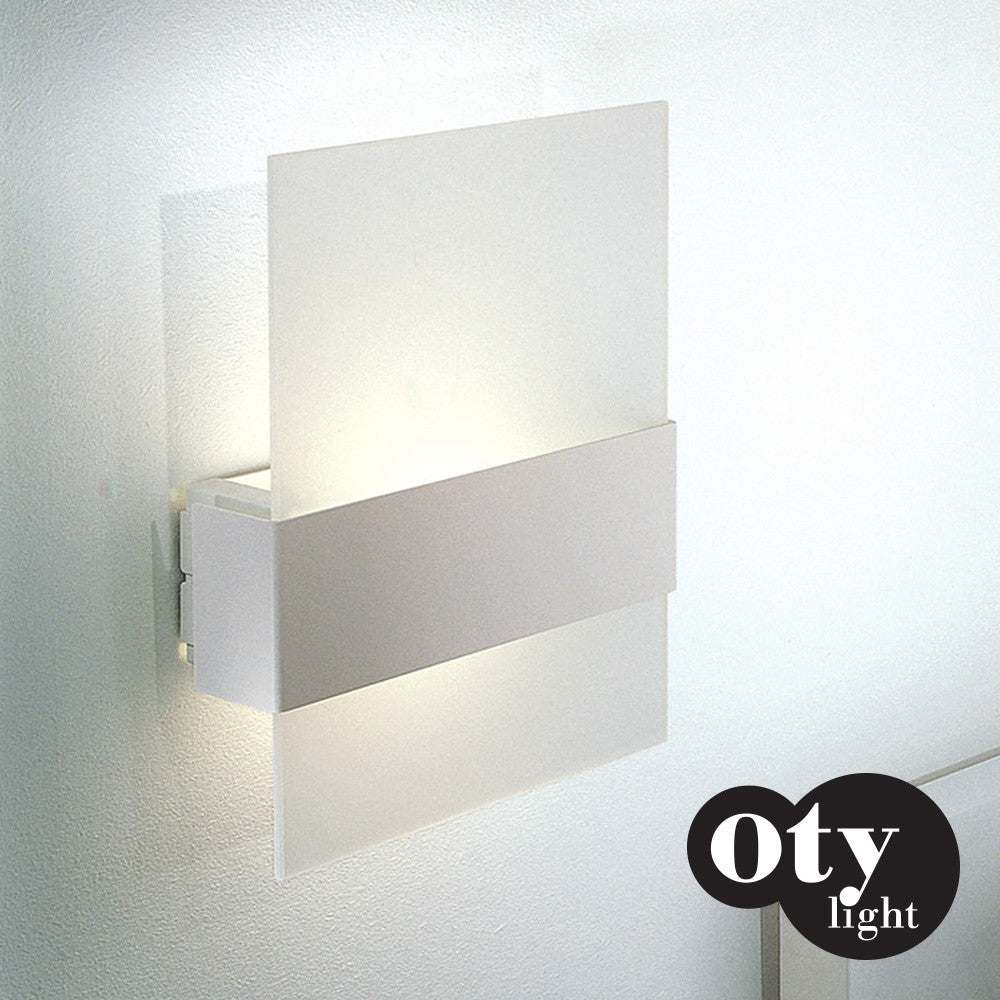 Oty Light Ita Wall Light | Oty | LoftModern