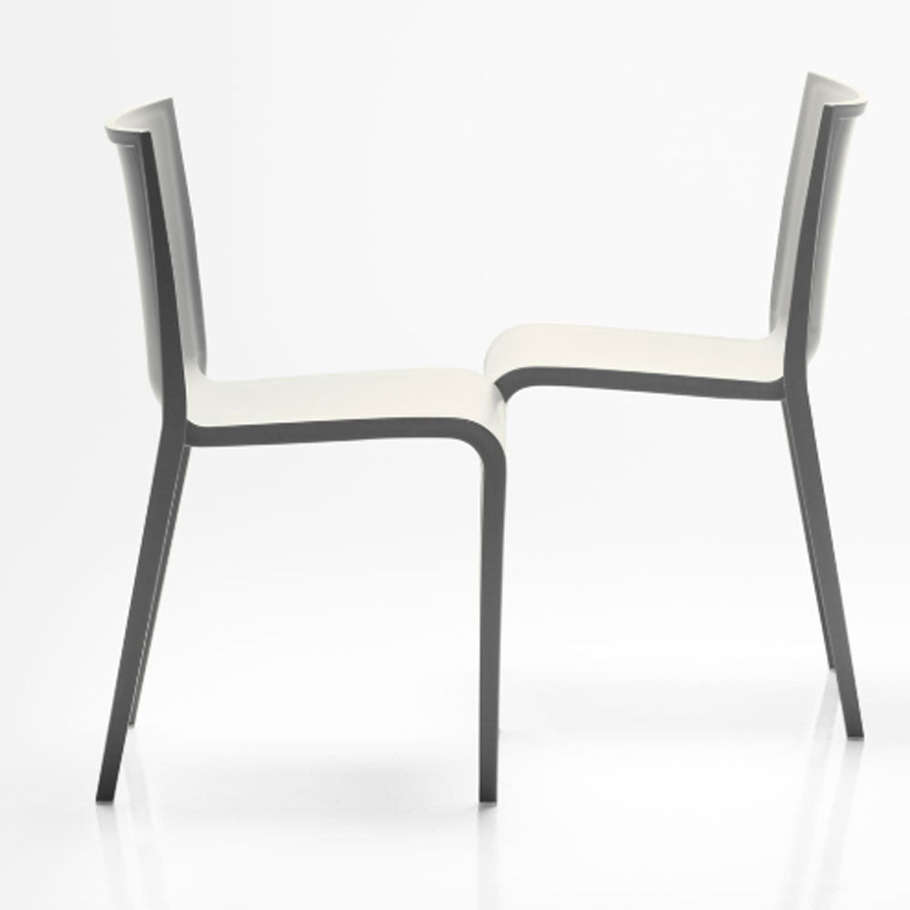 Nassau 533 Chair by SohoConcept