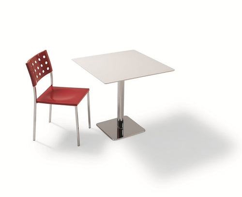 B&T Polo Medium Square Table