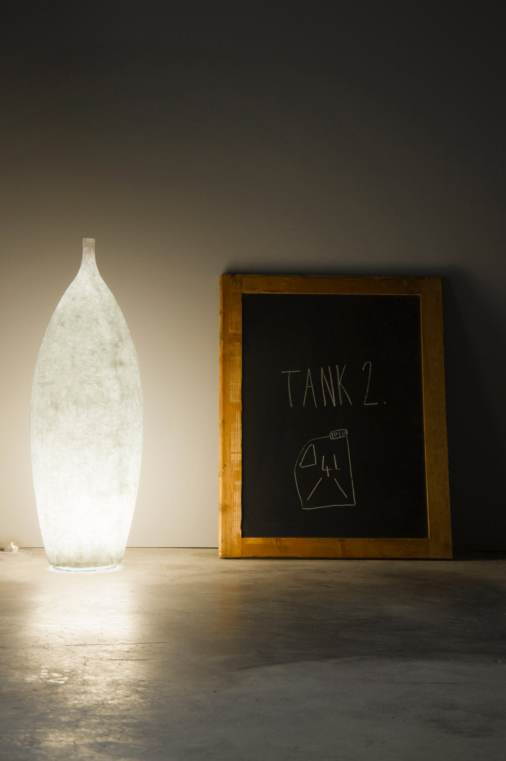 In-es.artdesign Tank Floor Lamp
