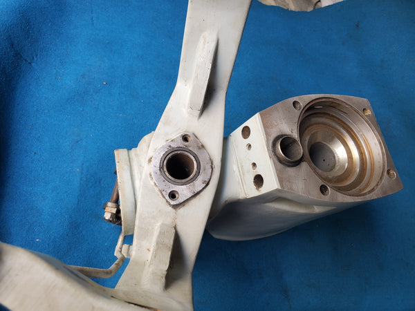 Volvo penta intermediate housing 290 280 275 270
