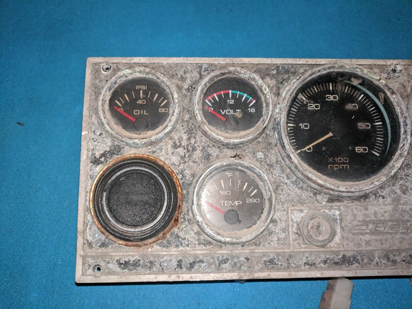 Bayliner Dashboard gauge cluster switch panel
