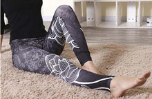Laden Sie das Bild in den Galerie-Viewer, Yoga Leggings mit Flower Power - my Sports Paradise