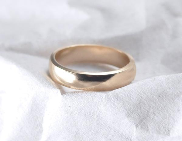 Cara 4 mm - 14K Yellow Gold Ring