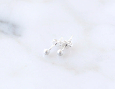 Satin ball stud earrings - xs
