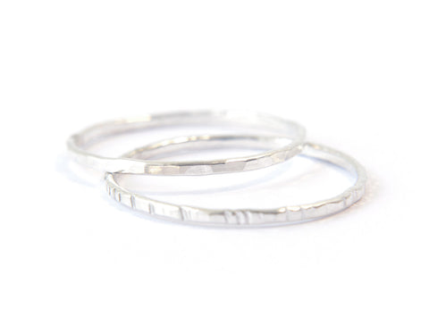 Signe 1mm - 2 silver stacking rings