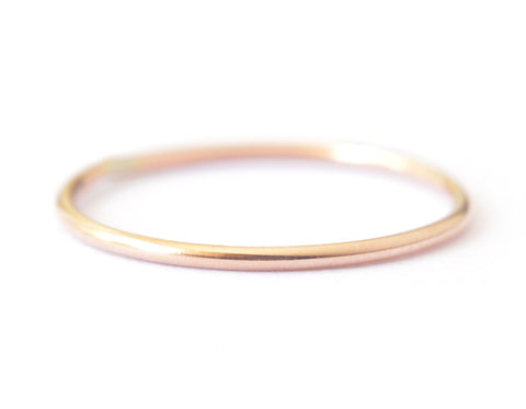 Ina Ring 1mm - 14K solid rose gold