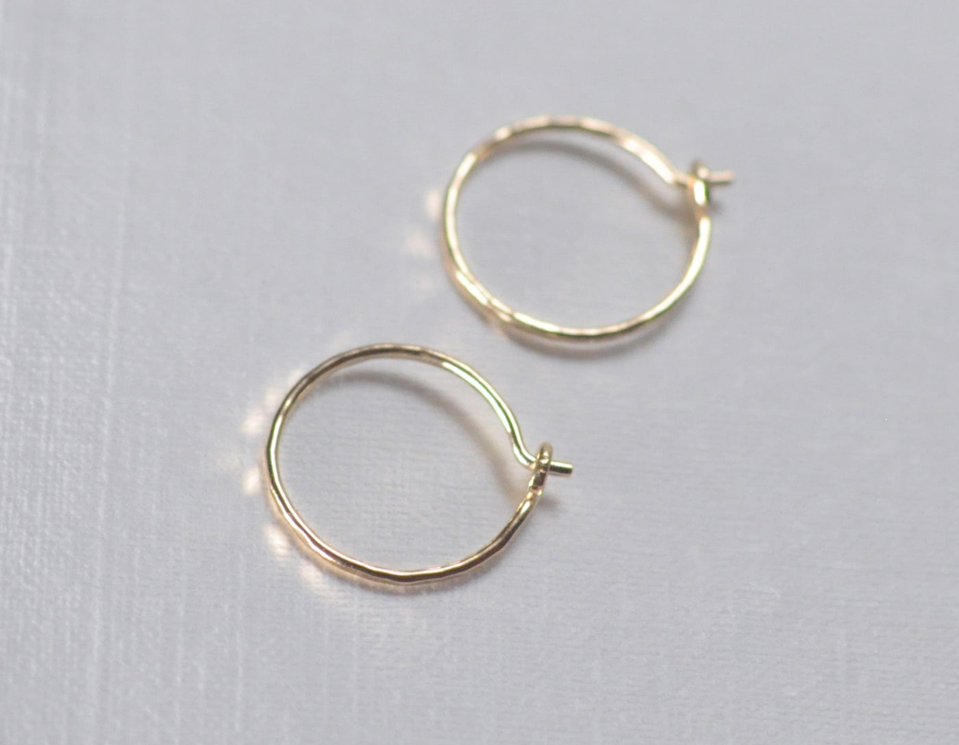 everyday earrings, delicate hoops, 15mm earrings, 14k gold earrings, karat1424