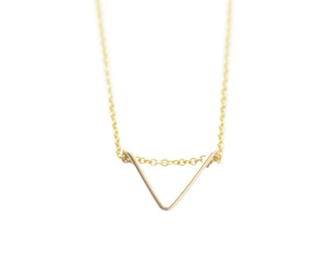 Tiny Chevron necklace - gold