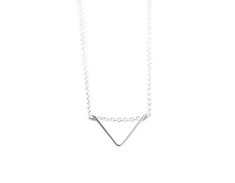 Tiny Chevron necklace - silver