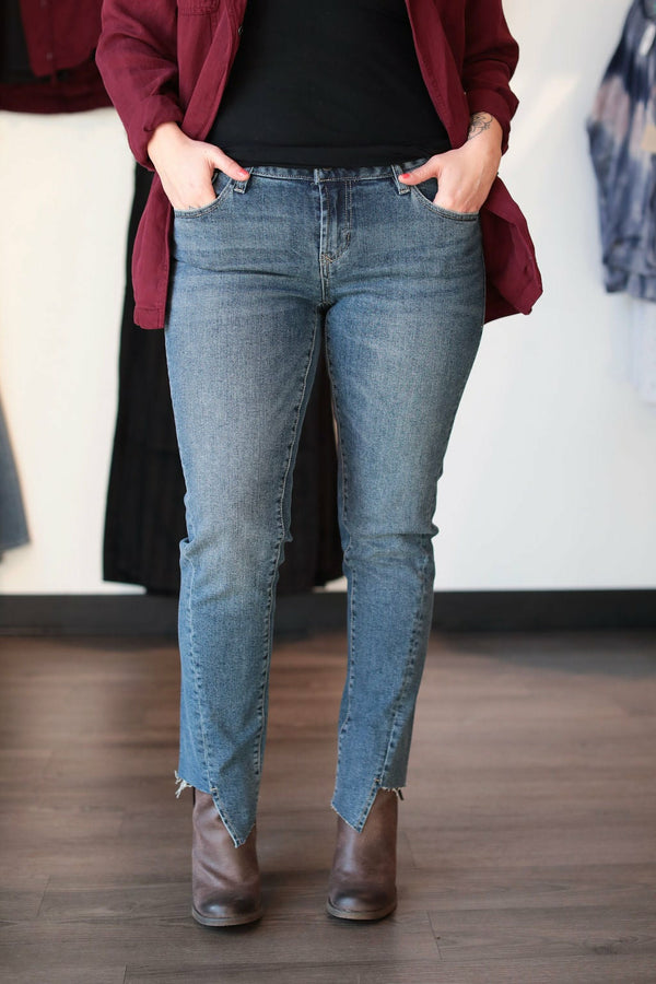 Girlfriend Jeans w/Cutout Hem