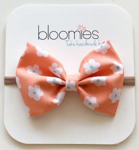 Coral Daisy Cotton Bow - Bloomies Handmade