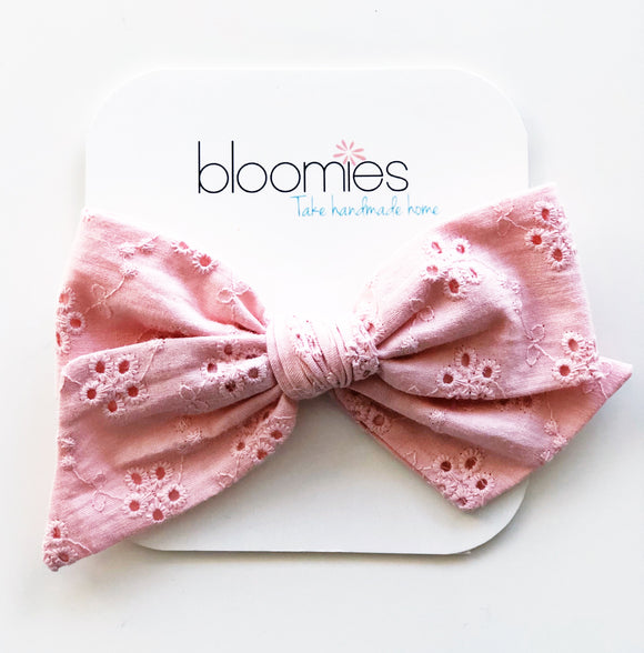 Pink Eyelet Knot Bow