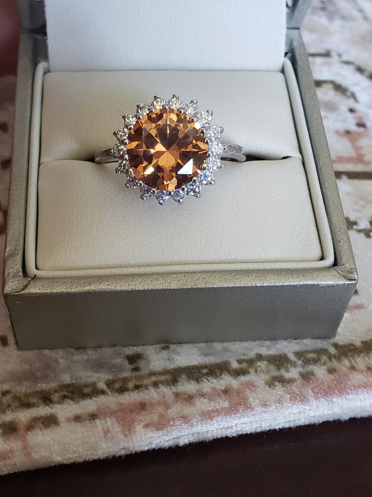 Round Brilliant 4.11 Ct Golden Citrine Ring