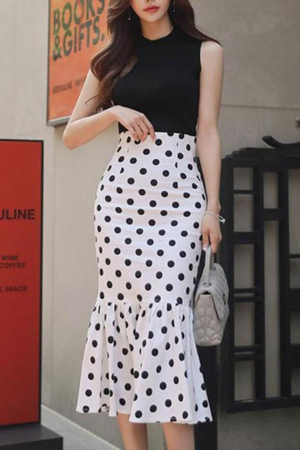 Commuting Polka Dot Sleeveless Ruffled Pleated Suit