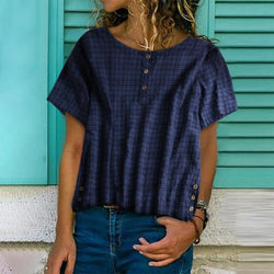 A Latticed Short-Sleeved Shirt