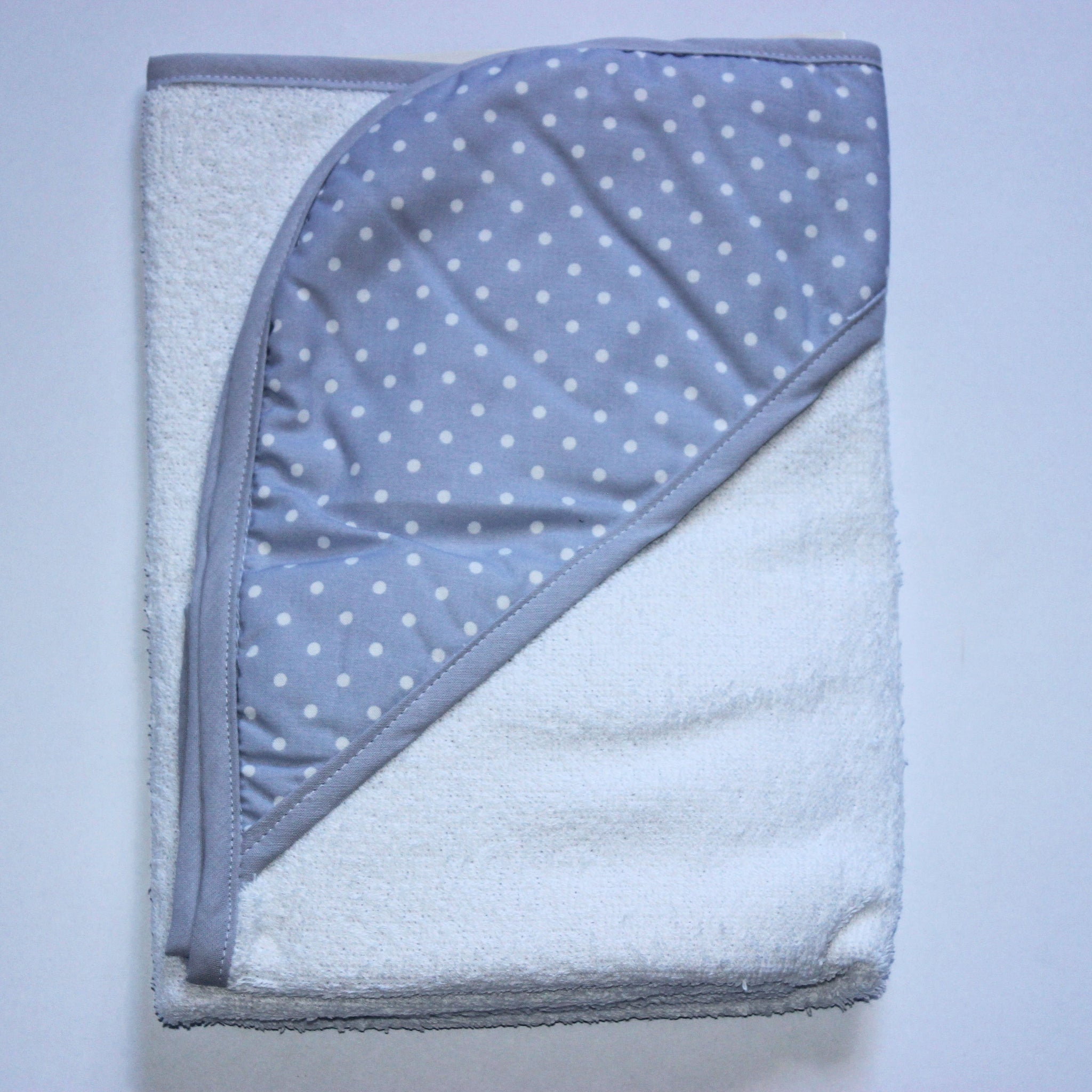 Hooded Towel - Gray Spots & Gray Trim