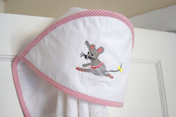 Hooded Towel - Ballerina Mouse Dancing