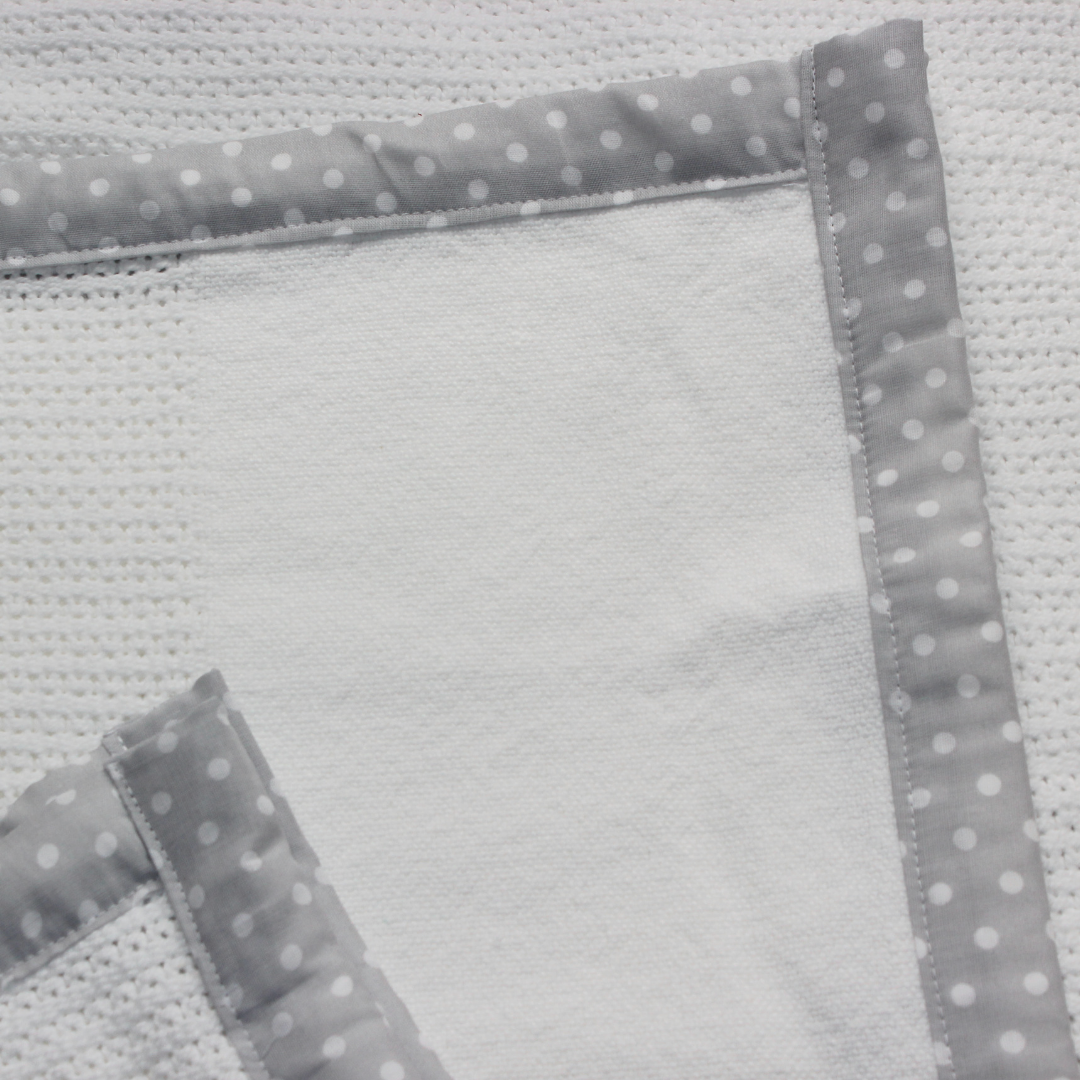 100% Cotton Cellular Blanket - Silver/Grey Trim Baby Spots