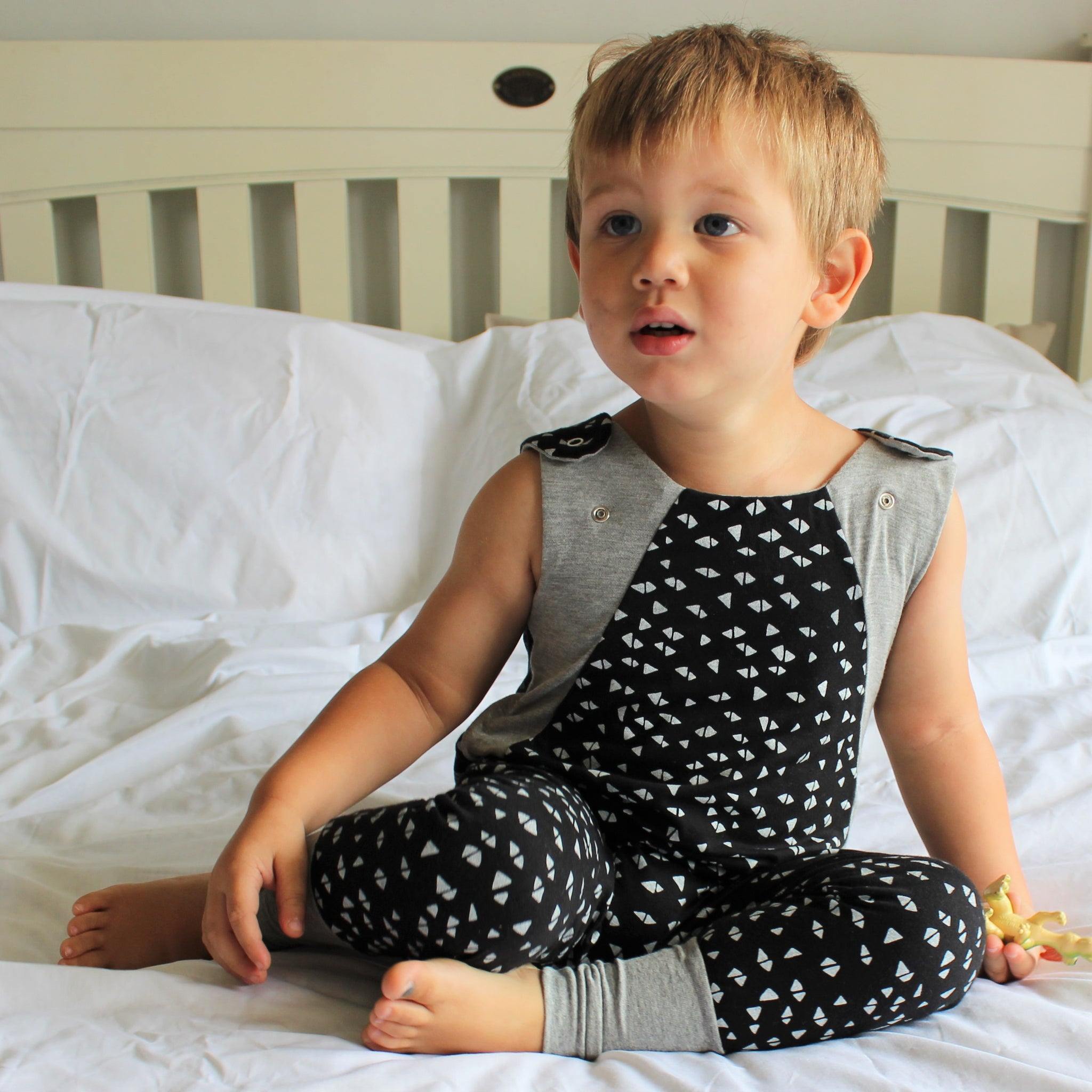 GROW WITH ME Romper - Triangles, Grey and Black