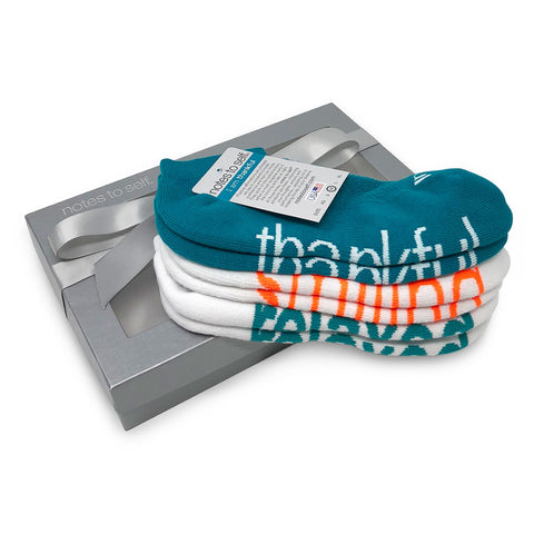 i am thankful smiling relaxed sock gift set