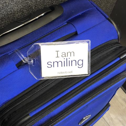 'I am the groom'™ + 'I am smiling'™ luggage tag