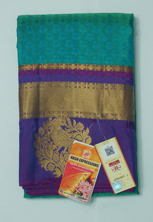 Surfie Green Kanchipuram Handloom Plain Emboss Pure Silk Saree with Blouse