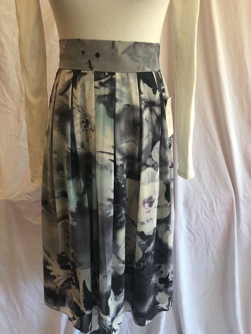 Sharrone Pleated Print Skirt