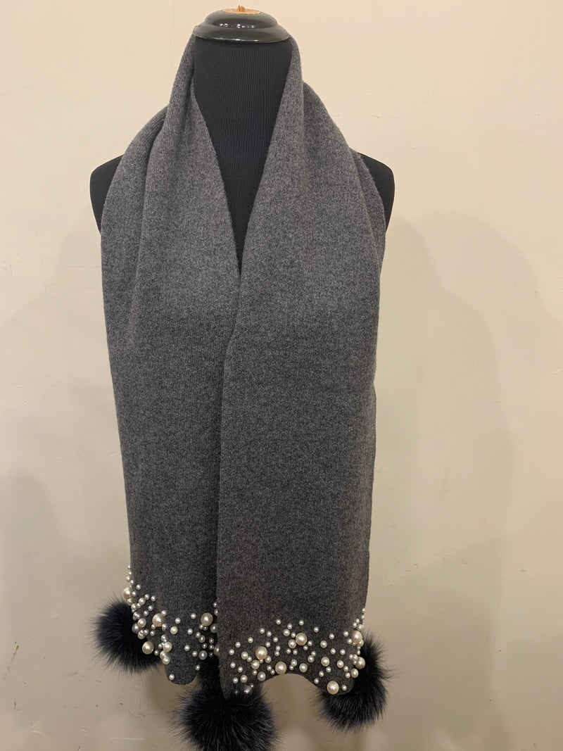 FHTH Wool Knit Scarf with Pearls and Pom SC1M31