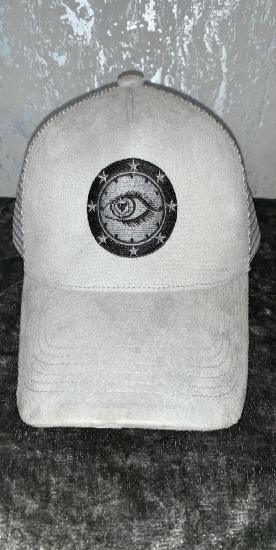 Front grey suede with Eyecon logo trucker cap
