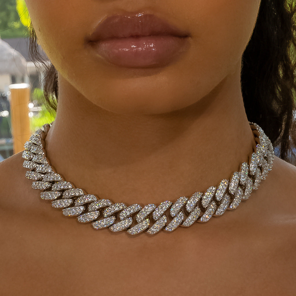 18mm White Gold Flower Set Cuban Link Choker
