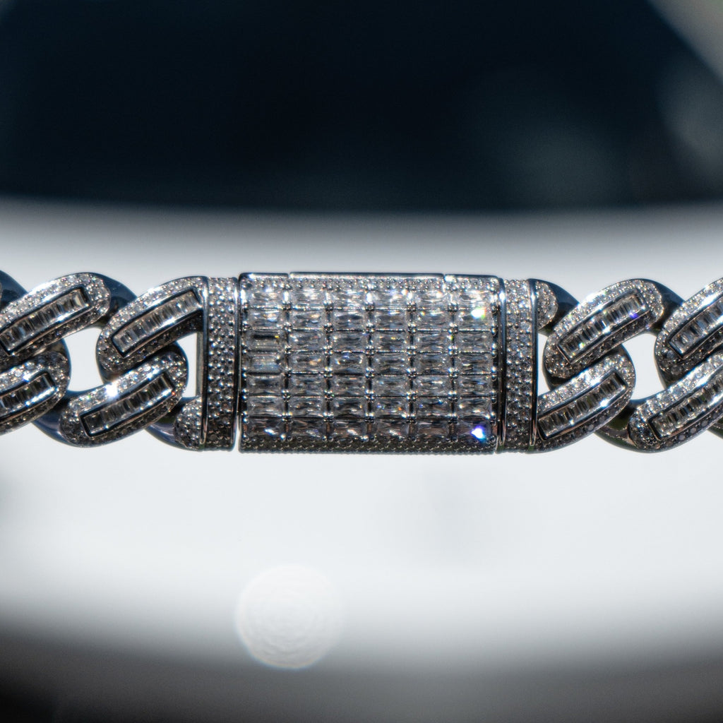 18mm White Gold Bugatti Link Chain