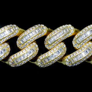 Load image into Gallery viewer, 18mm Yellow Gold Bugatti Link Bracelet
